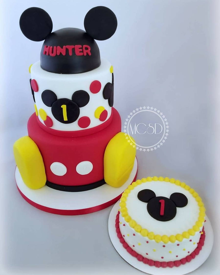 Groovy Mickey Mouse 1St Birthday Cake Smash Cake Cakecentral Com Personalised Birthday Cards Veneteletsinfo