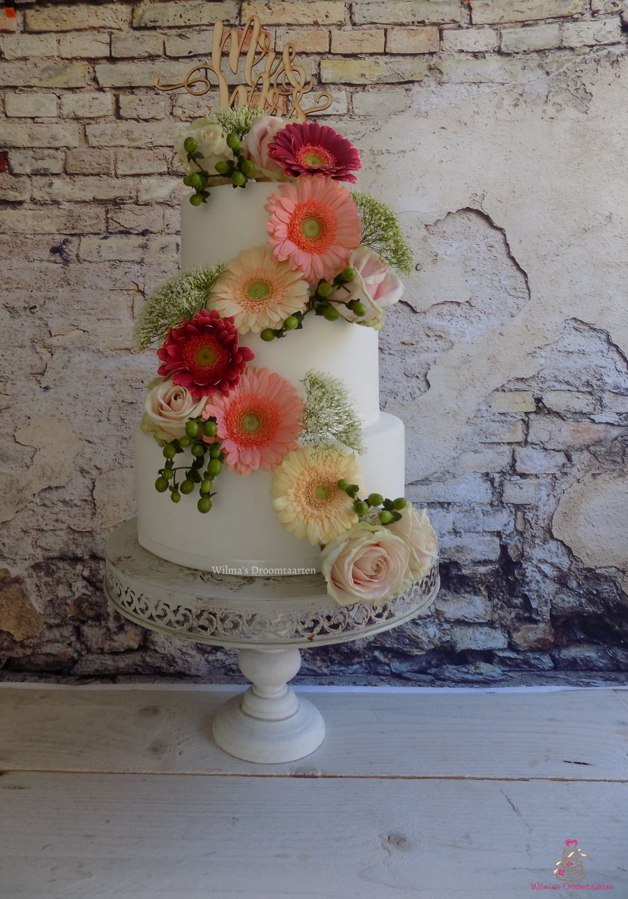 Weddingcake With Fresh Flowers on Cake Central