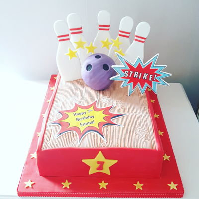 Ten Pin Bowling Party Cake