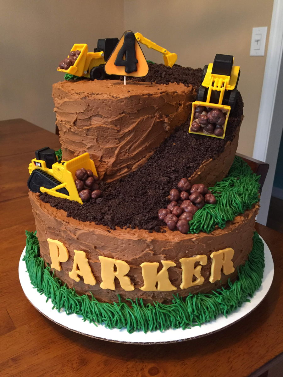 Construction Themed Birthday Cake - CakeCentral.com
