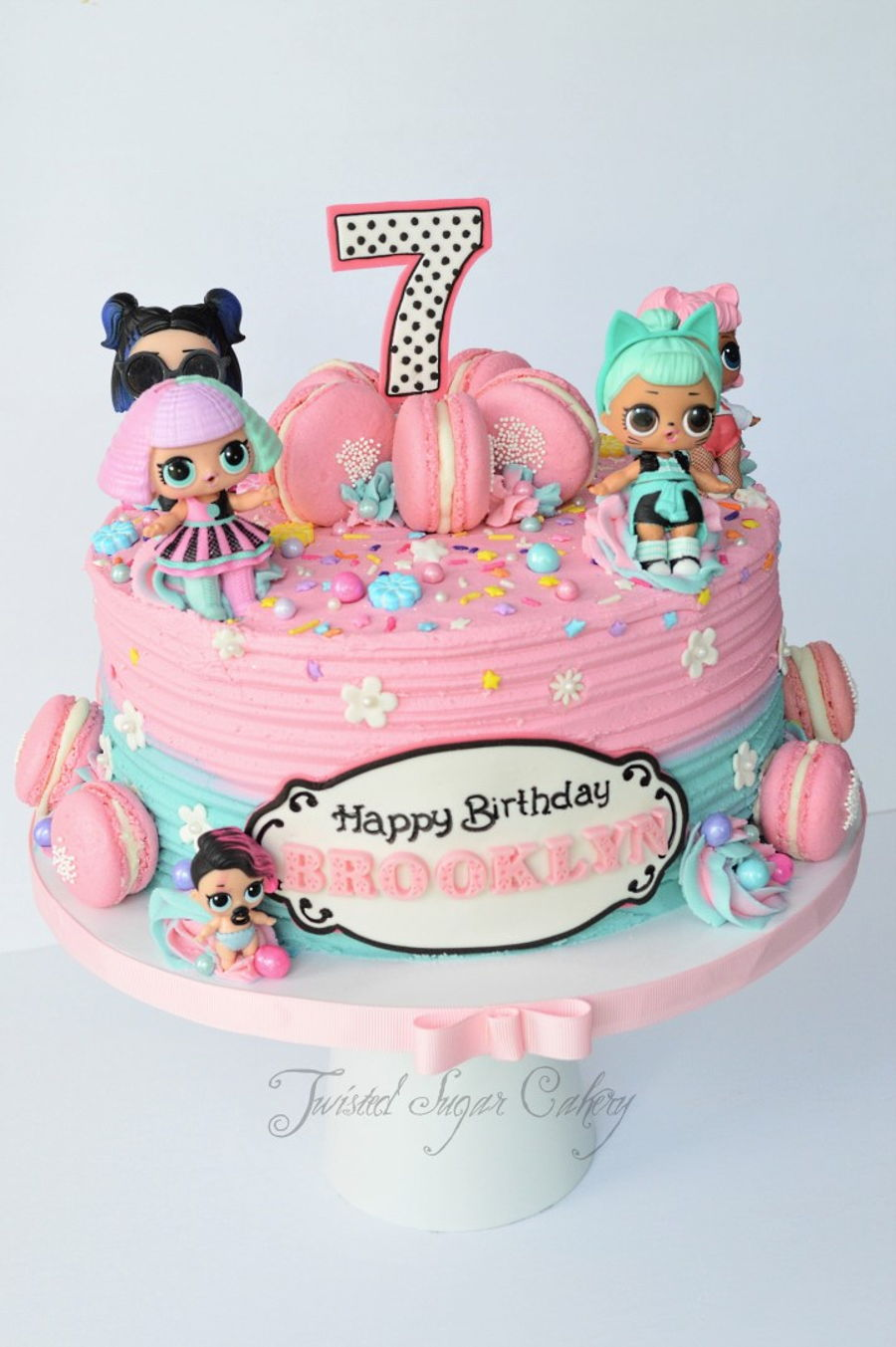 Lol Dolls And Macarons Cakecentral Com