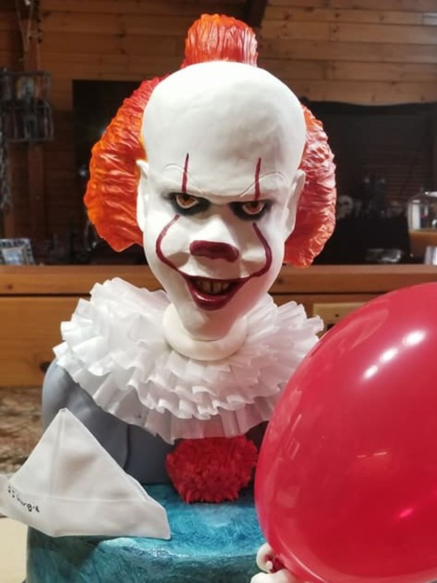 Pennywise on Cake Central