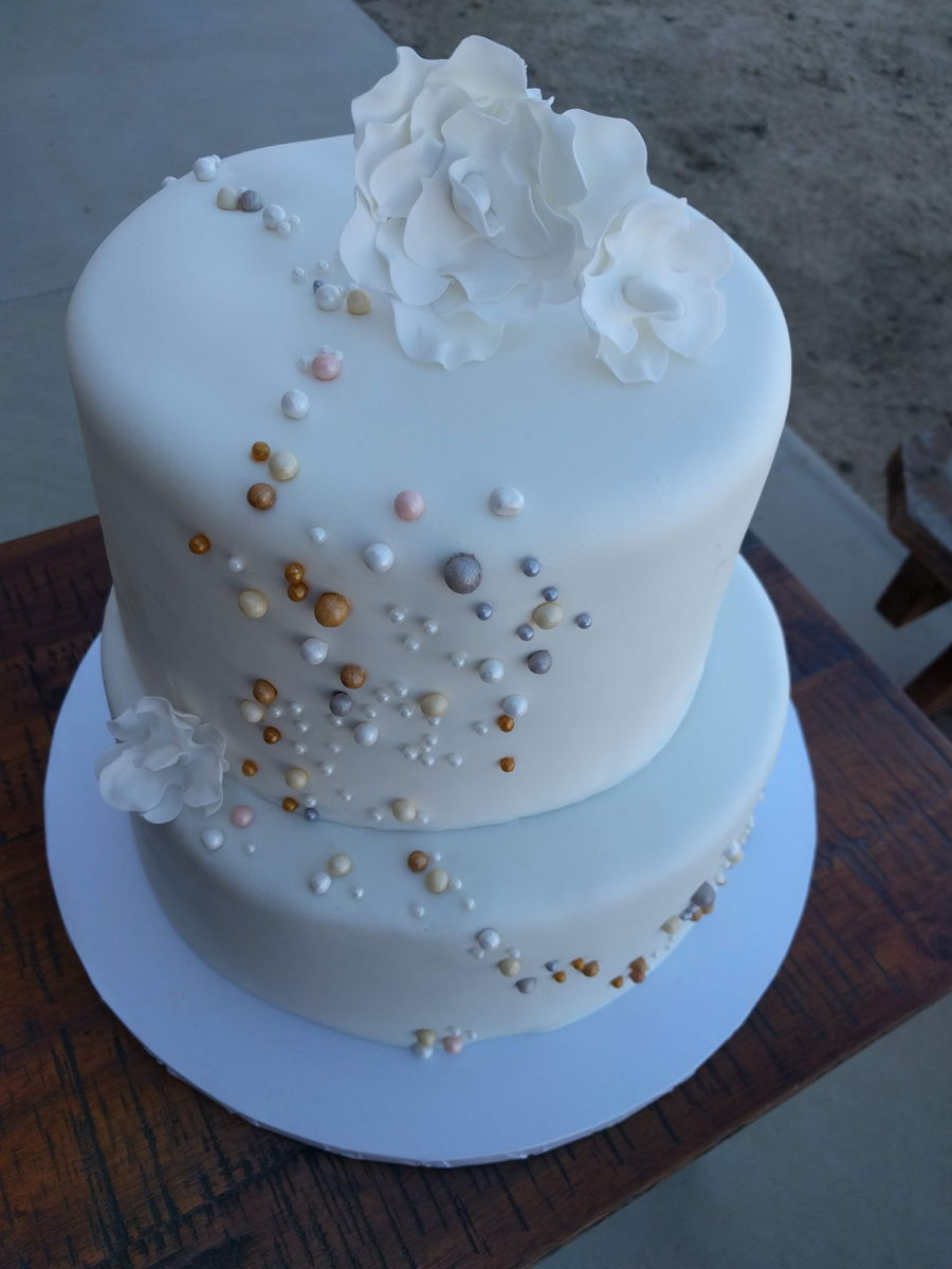 Pearl Casacade Cake on Cake Central