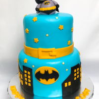 Batman Themed Birthday Party Cake And Cookies Fondant and cookies