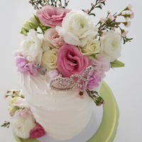Aniela's Holy Communion Buttercream and fresh flowers