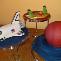 Space Shuttle And Martians My son wanted a space shuttle with a planet so we decided on Mars and threw in a couple aliens eating a cake picnic! He helped a bit and it...