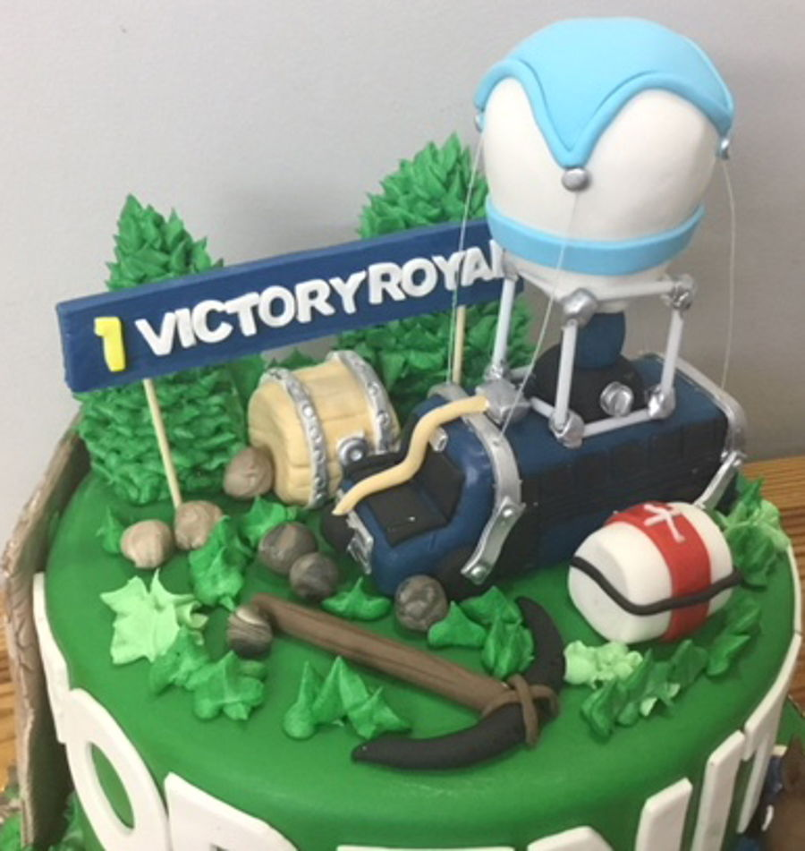 Fortnite Birthday Cake - CakeCentral.com