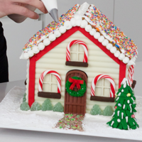 10 Gingerbread Houses Here's my favourite 10 gingerbread houses just in time for Christmas. Hope you love them :)