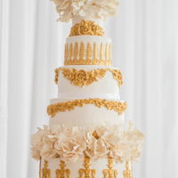 Gold Glamour A wedding cake from August 2018 featuring gold baroque style details. Molds are by Michael Lewis Anderson!