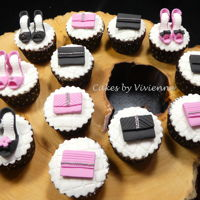 Shoe And Handbag Cupcakes Chocolate cupcakes with fondant shoes and handbag toppers