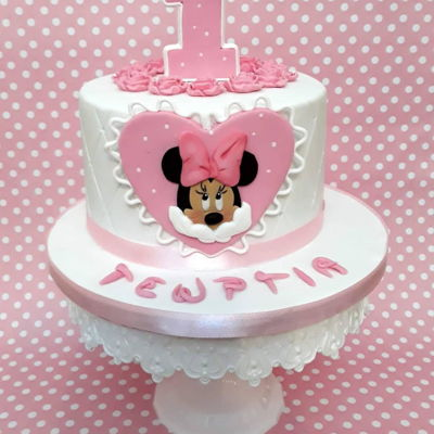 Minnie Mouse Cake For The First Birthday Minnie mouse fondant cake