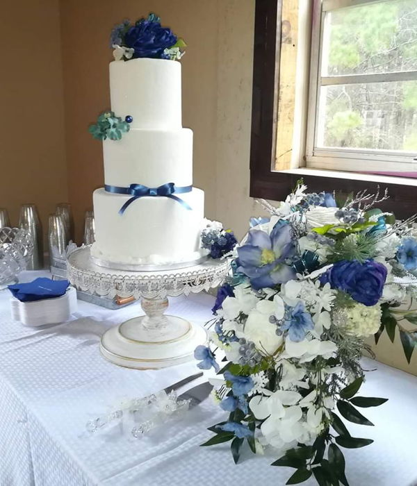 Winter Wedding Bride's Cake