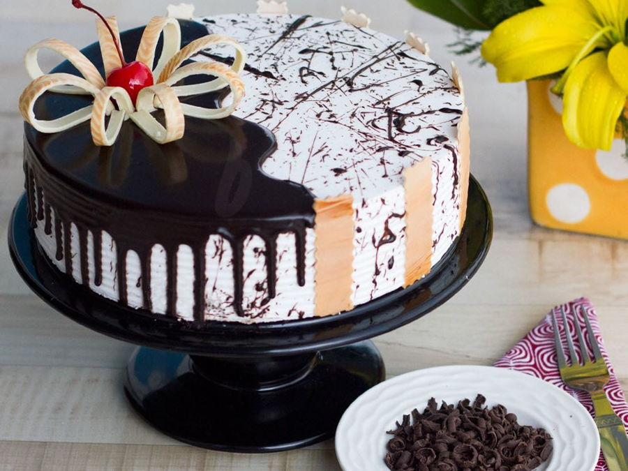 Cake Shops In Harlur Road | Cake Town Café on Cake Central