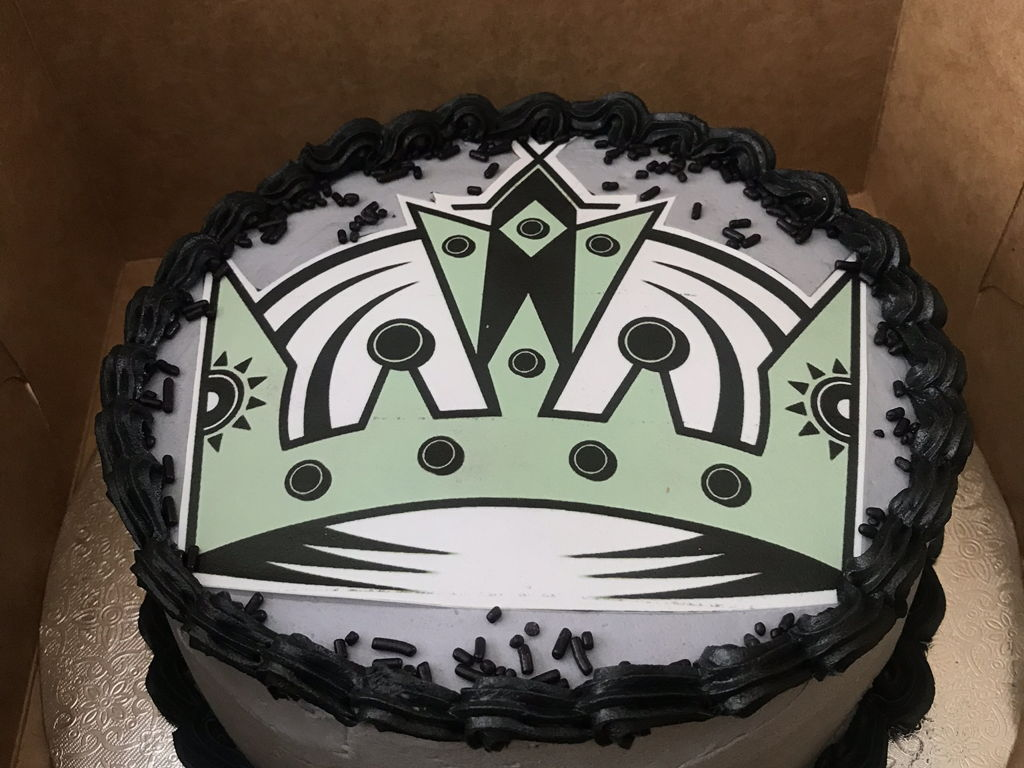 Astonishing Los Angeles Kings Cake Cakecentral Com Funny Birthday Cards Online Fluifree Goldxyz