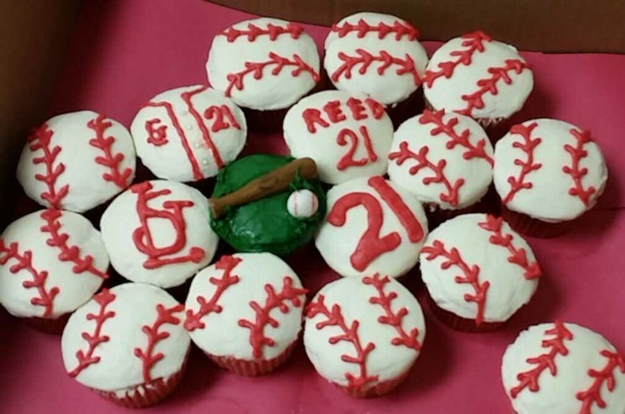Cardinals Baseball Cupcakes on Cake Central