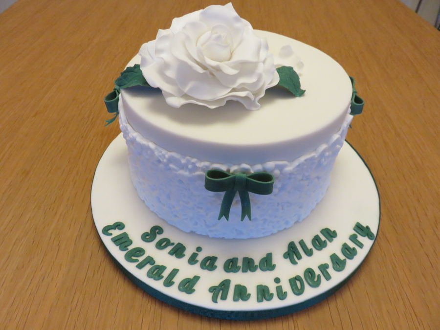 Emerald Anniversary Cake on Cake Central