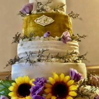 Flower Gold Wedding Wedding cake for a mountain wedding in Colorado