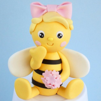 Fondant Bee Cake Topper My YouTube channel with cake decorating tutorials: https://bit.ly/2OJIu1P