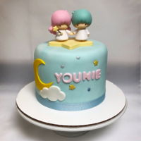 Little Twin Stars Fondant cake