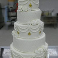 Vintage Wedding Cake The jewelery pearl swags are my own design, just love it
