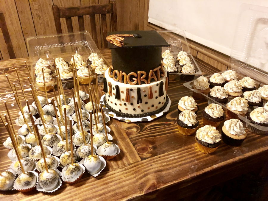 Graduation Dessert Table Cakecentral Com