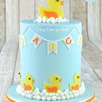 Cute Duckling Children's Cake Totally in love with this very easy and super simple cake design. Perfect for a baby/children celebration. Do you struggle with fondant...