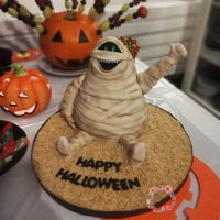 Murray The Mummy Time for Halloween cakes. Murray the mummy from movie Hotel Transylvania Http://www.instagram.com/sweetstudio.ie Http://www.facebook.com/...