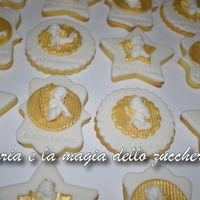 Angels Cherub Cookies biscuits decorated in sugar paste themed angels combined with the cake