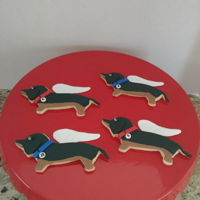 Dachshund Cookies NFSC with fondant. My friends dogs who are in dogie heaven.