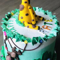Animal Birthday Cake White cake, vanilla ABC, candy suprise...