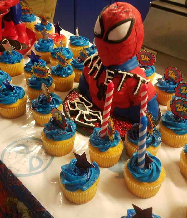 Spider-Man Bust And Cupcakes