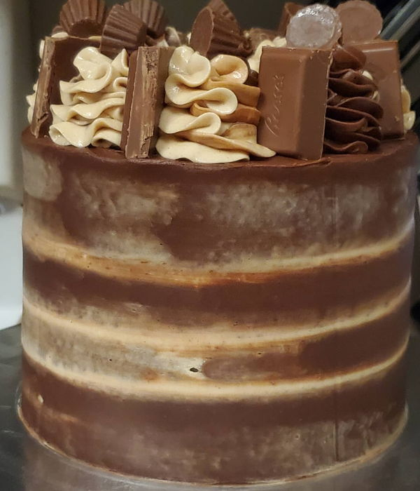 Chocolate Peanut Butter Reese Cake