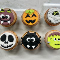 Halloween Cupcakes Fondant decorated Halloween cupcakes