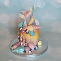 Mermaid Cake A mini cake of mermaid theme