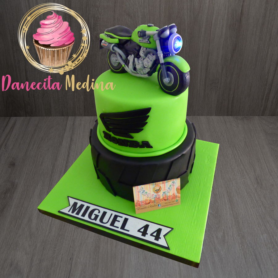 Motorcycle Fondant Cake on Cake Central
