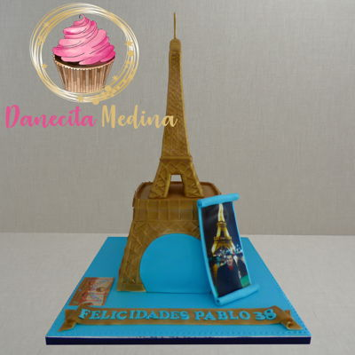 Eiffel Tower Fondant Cake