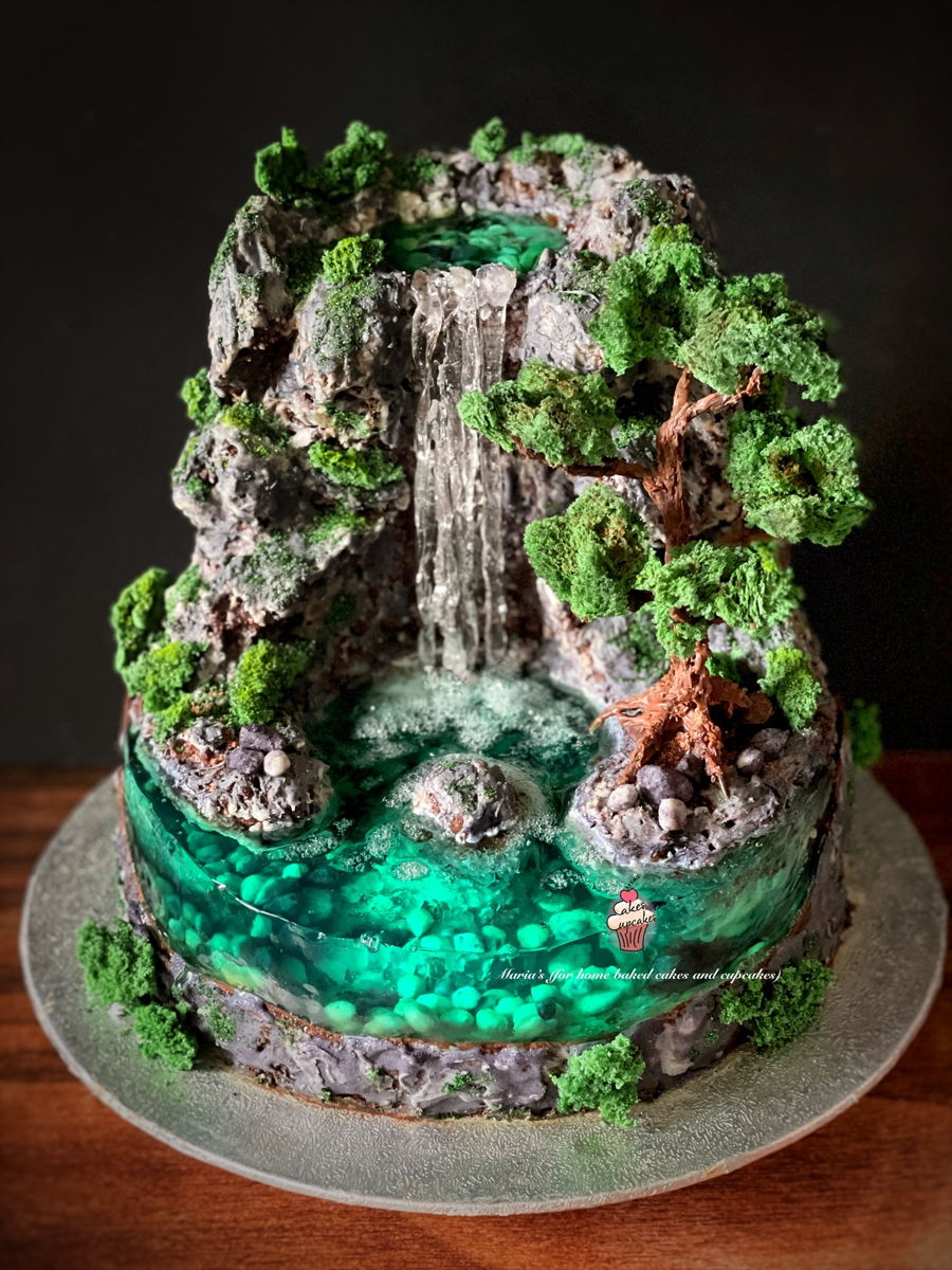 Island Cake - Waterfall Cake on Cake Central